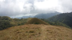 mt ulap mountain eco trail ampucao itogon benguet view at the top