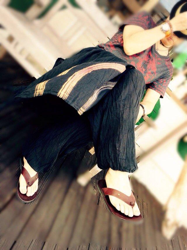 タイ商品 入荷しました。今回は夏のファッション~秋のファッション そしてタイの食器や雑貨満載