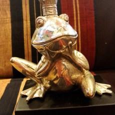 真鍮のカエル