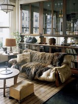 sofa-for-the-living-room-minimalist-with-modern-chic