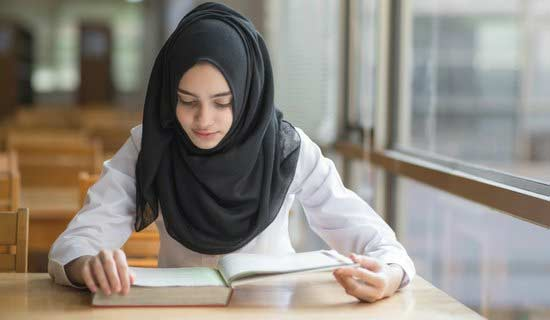 Posisi buku sebagai alat menyampaikan ilmu