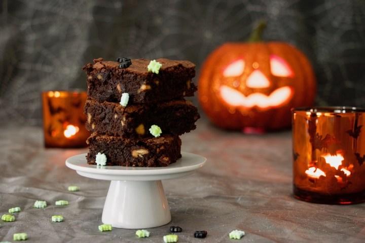 Halloweenbillede med brownie Bagvrk.dk