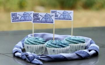 Spejderblå babycupcakes. En opskrift fra Bagvrk.dk.