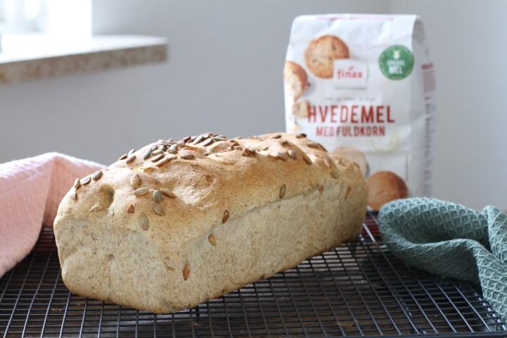 Græskarbrød og fuldkornshvedemel Bagvrk.dk