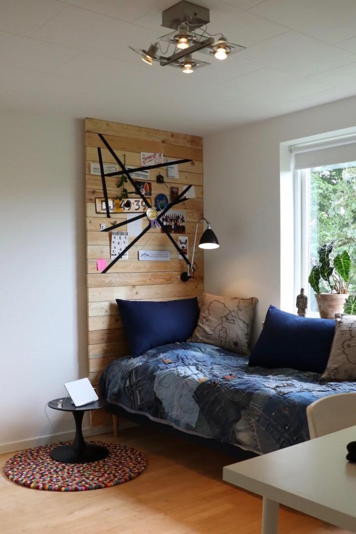 Hovedgærde af genbrugstræ DIY teenageværelse Bagvrk.dk