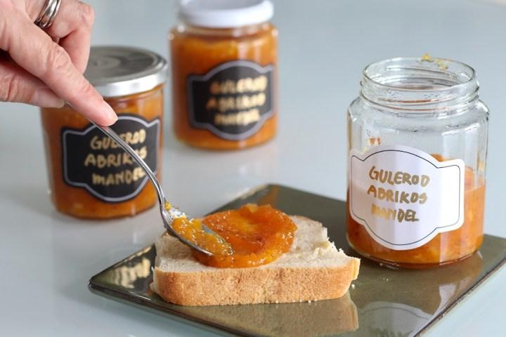 Abrikos-gulerodsmarmelade på brød Bagvrk.dk