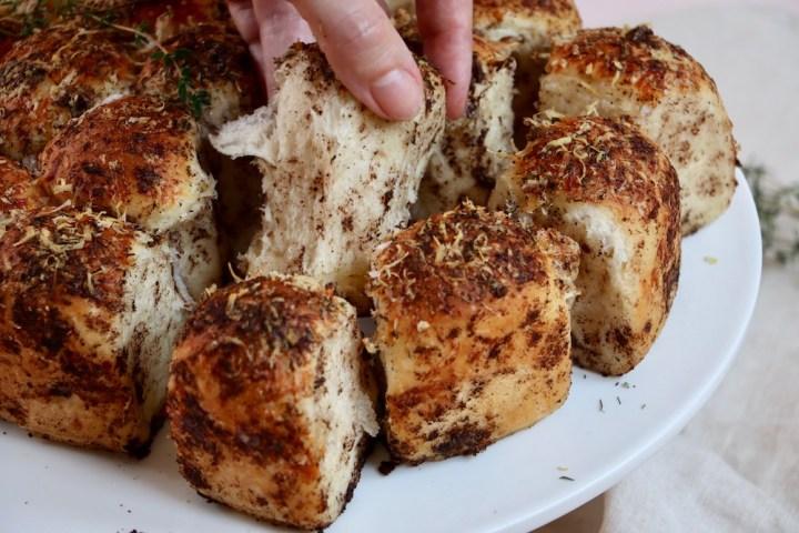 Pull apart brød krumme hånd Bagvrk.dk