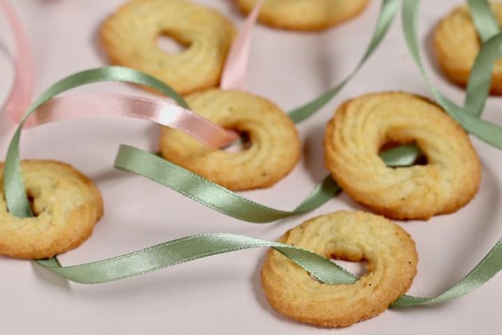 Vanillekranse med sprøjtepose grønne bånd Bagvrk.dk