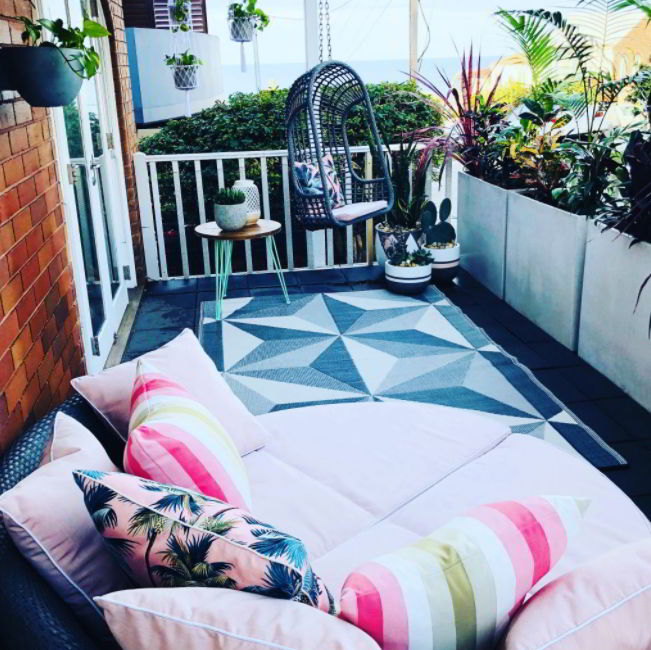 Learn How to Decorate Patio