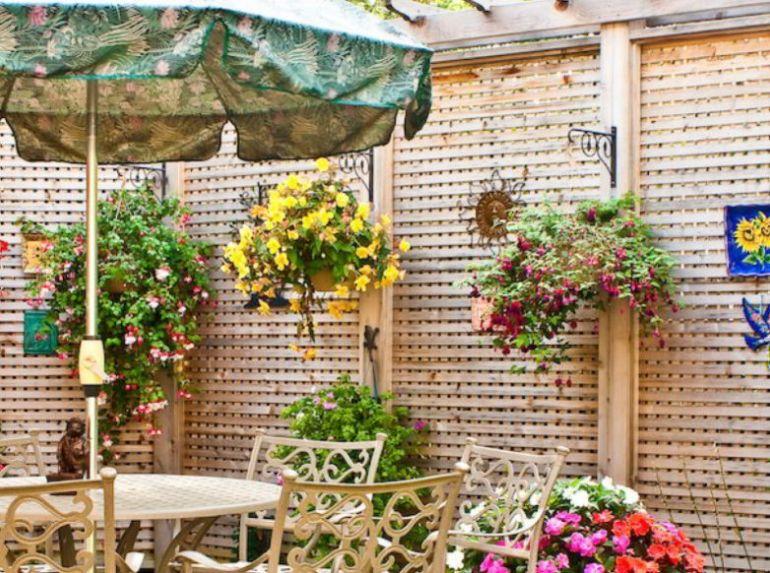 Decorating Horizontal Fence Design