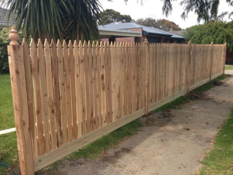 Georgian Pointed Picket Fencing Design