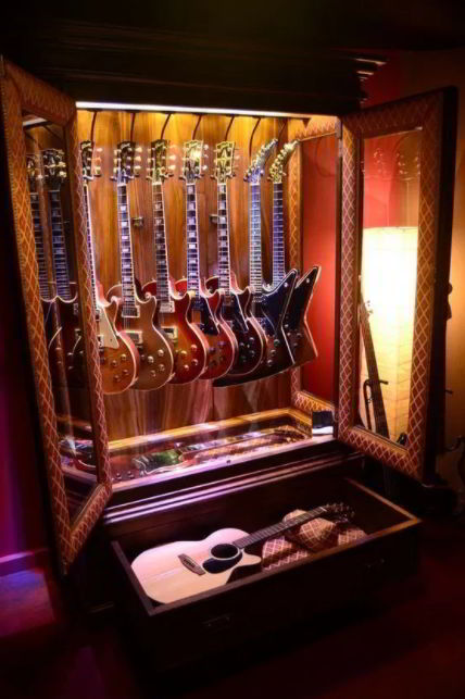 DIY DIY Display Cases for Guitars