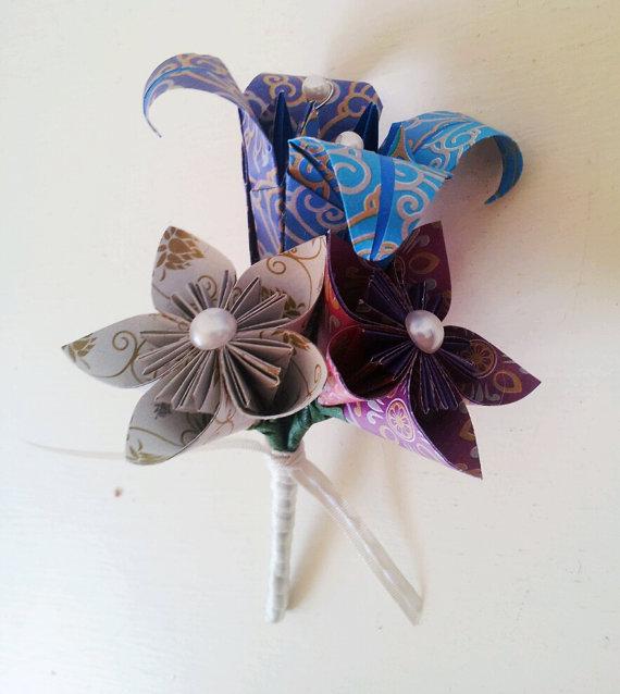 Kerajinan bunga kertas 2