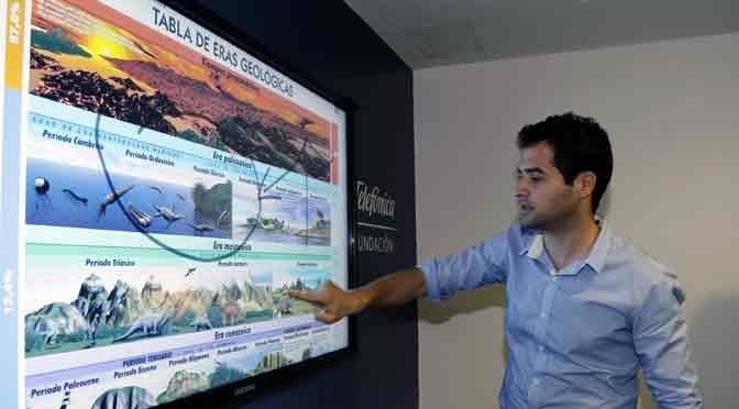 Taller «Sociales sin sanata» para docentes en la Fundación Telefónica