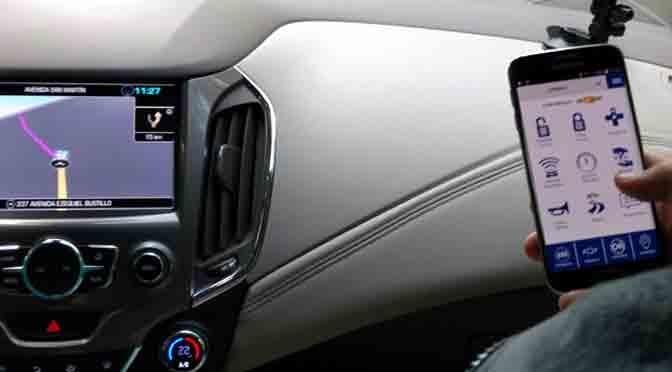 """El nuevo Chevrolet Cruze viene con """"acompañante virtual"""" para el chófer"""