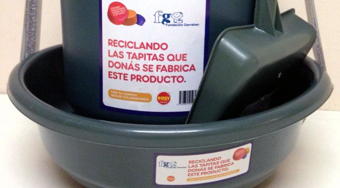 Fundación Garrahan relanza un «ecokit» fabricado con tapas de plástico recicladas