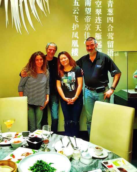 Con Debora Slotnisky, Damián Kantor y Ana Deng. Beijing, China, abril.