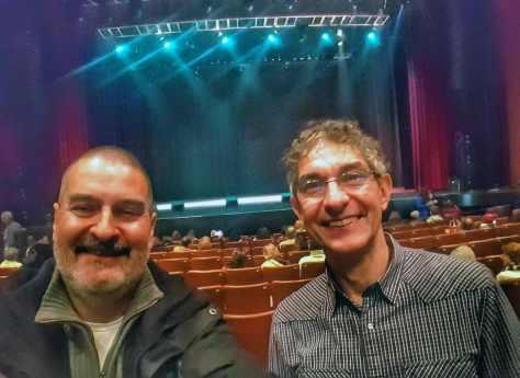Con Alejandro Bedrossian. Función de Les Luthiers, Teatro Gran Rex, Buenos Aires, junio.