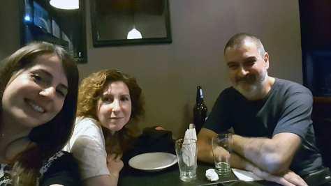 Con Patricia Cravero y Alejandra Beresovsky. Estación 27, Córdoba, septiembre.