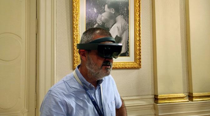¿Cómo es la «realidad mixta» de Microsoft que probó Mauricio Macri?