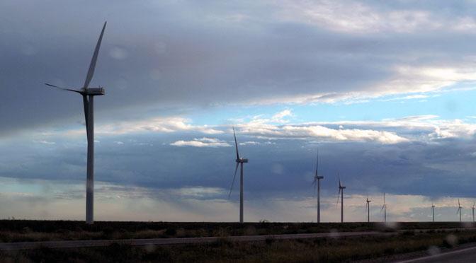 Los molinos flacos del Quijote que generan energía en la Patagonia