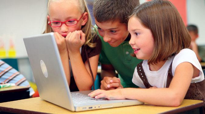 Día del niño: ¿cómo acompañar a los chicos en el uso de las tIC?
