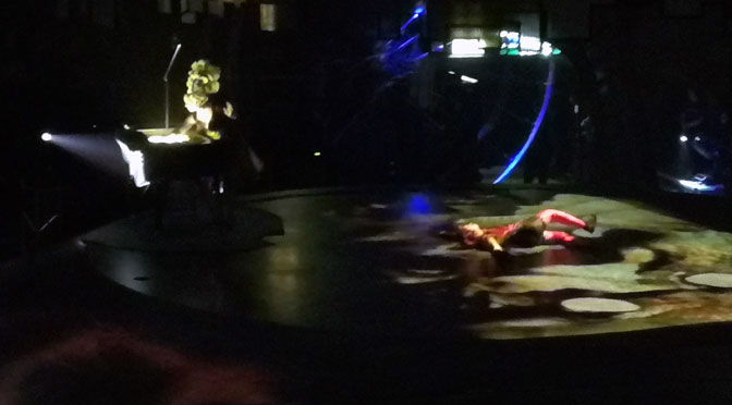 Un millón de años luz, de Soda Stéreo, en Sép7imo Día del Cirque du Soleil