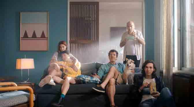 Con música de Chuck Berry, Movistar presenta su servicio de televisión interactiva