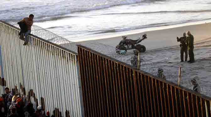 Tan cerca y tan lejos: la llegada de la caravana de migrantes a Tijuana