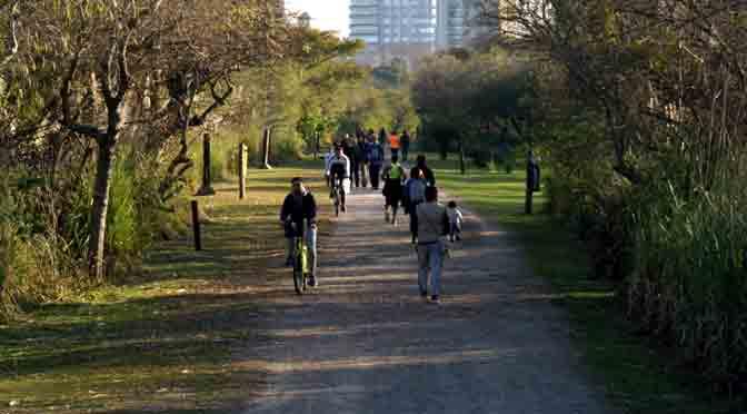 Senderos de la reserva ecológica de costanera sur de Buenos Aires