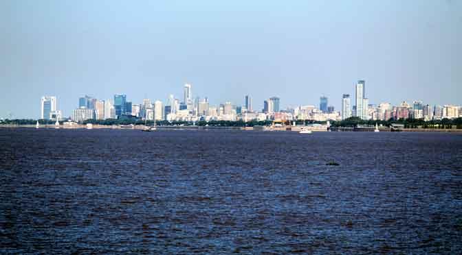 «Skyline» de Buenos Aires desde la costa de La Lucila