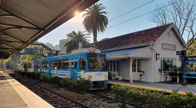 Estación Borges y plazas de Olivos desde un Samsung Galaxy S10+