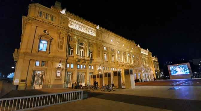 4 perspectivas diferentes del teatro Colón con un Samsung Galaxy S10+