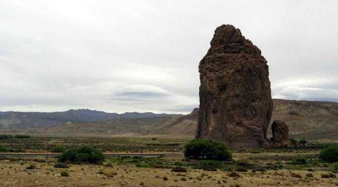 Vuelta completa a la Piedra Parada de Chubut