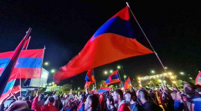 Acto de la comunidad armenia en Argentina por paz en Artsaj, en 233 fotos