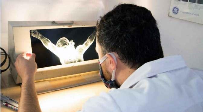 Investigan autenticidad de obra de Aleijadinho con tecnología del INTI
