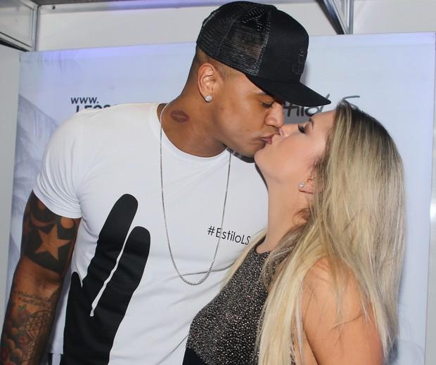Termina o namoro de Léo Santana e Lorena Improta