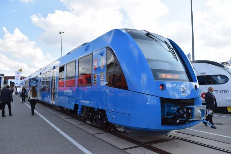 Auf der InnoTrans 2016 präsentierte Fahrzeughersteller Alstom den Coradia iLint, den ersten Zug mit Brennstoffzellenantrieb. (Foto: © Bahnblogstelle)