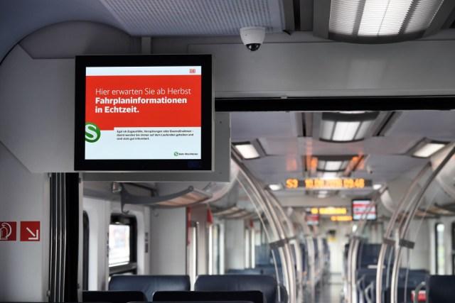 Fahrgastinformationssystem in einem Fahrzeug der Baureihe ET 425 der S-Bahn RheinNeckar von DB Regio. (Foto: © DB AG / Thomas Henne)