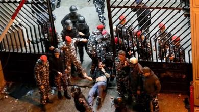 Photo of عمليات كر وفر غرب بيروت.. واعتقالات في صفوف المحتجين