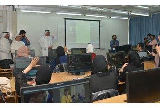 Information minister visits Live 2 participants