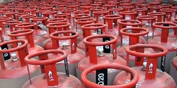 buy-lpg-gas-cylinder-with-paytm-get-700-rupee-cashback-know-how-to-avail-this-offer