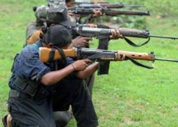 5-jawans-martyred-in-ongoing-clashes-with-naxals-in-chhattisgarh-12-injured