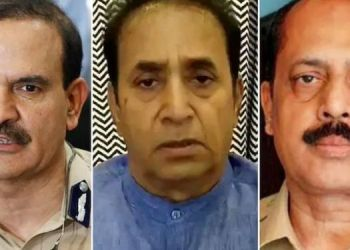 sachin-vaze-takes-shiv-sena-minister-anil-parab-and-anil-deshmukh-name-for-extraction-order-in-submission-to-nia-court