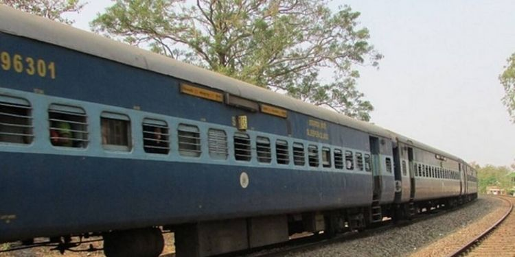 moradabad-city-indian-railways-now-even-after-paying-the-fine-will-not-be-able-to-travel-in-trains-railways-released-new-guide-line-jagran-special