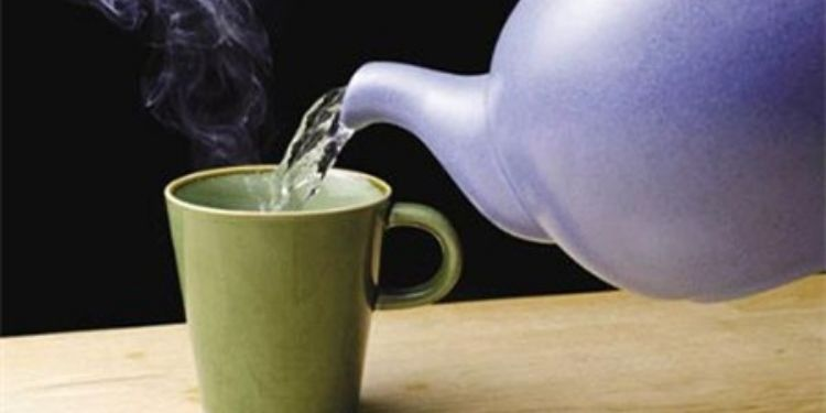 drinking-hot-water-can-also-harmful-for-your-health-5-major-side-effect-of-hot-water