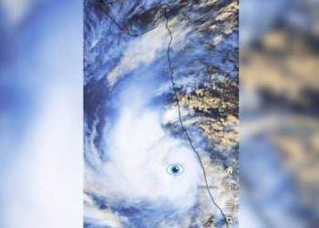 toukte turns into a very strong cyclone rains begin in mumbai thane showers begin everywhere in konkan