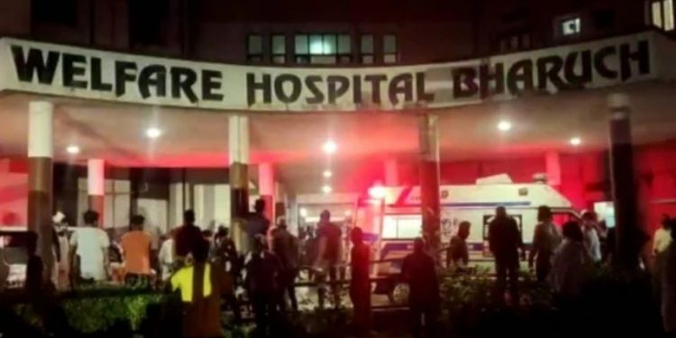 gujarat-fire-breaks-out-at-a-covid19-care-centre-in-bharuch-12-covid-pateints-killed