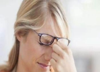 natural-ways-to-get-rid-of-marks-on-nose-due-to-wearing-glasses