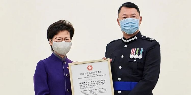 hongkong-police-caught-their-own-chief-senior-officer-after-raiding-illegal-massage-parlour